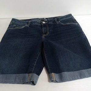 APT.9 Bermuda shorts size 10
